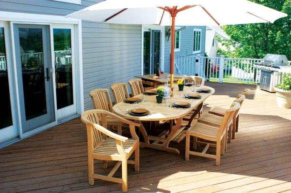 die perfekten outdoor möbel aus hellem holz