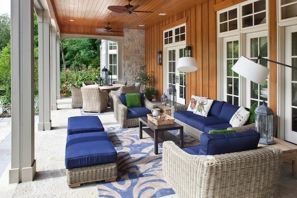 die perfekten outdoor möbel aus rattan dunkelblau gepolstert