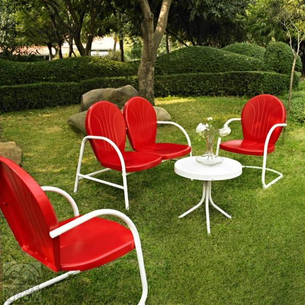 die perfekten outdoor möbel retro in knallrot und weiß