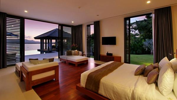 exotische luxus villa naturfarben und feine texturen