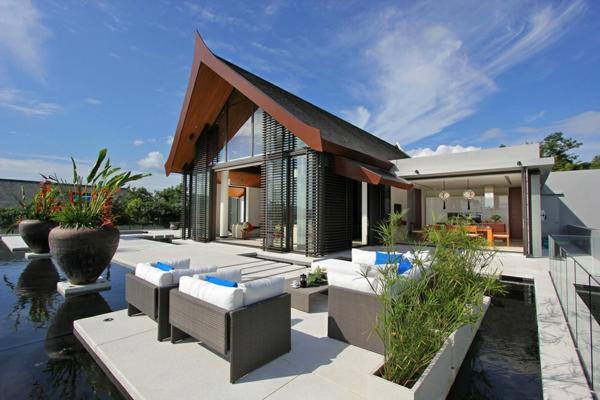 exotische luxus villa traditionelles außendesign