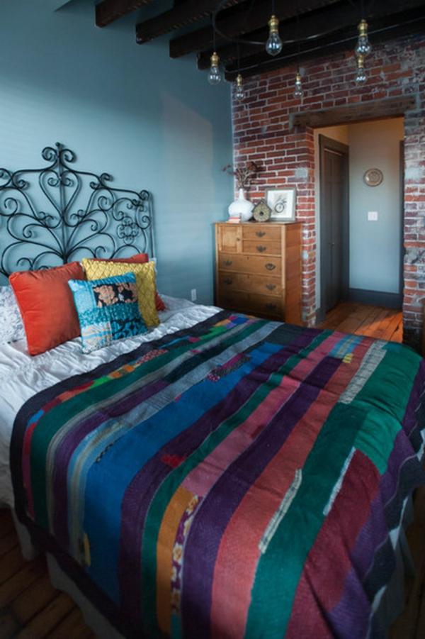 fülle von farben und texturen schmiedeeisenbett quilt tagesdecke