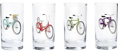 fahrräder als sommerdeko elegante gläser