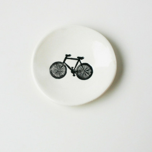 fahrräder als sommerdeko teller