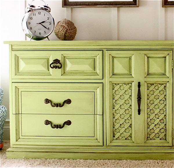 farbenfrohe Kommoden zum Sebermachen hellgrün ornamente dekoriert