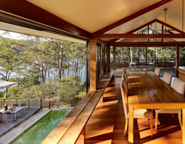 gemütliches ferienhaus mit blick auf die terrasse