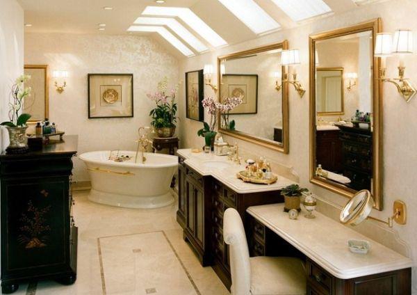 goldene akzente deckenfenster freistehende badewanne