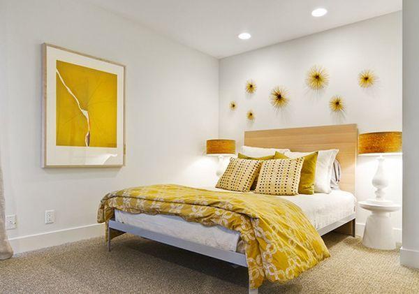 goldene akzente filigrane deko scheeflöckchen in gelb