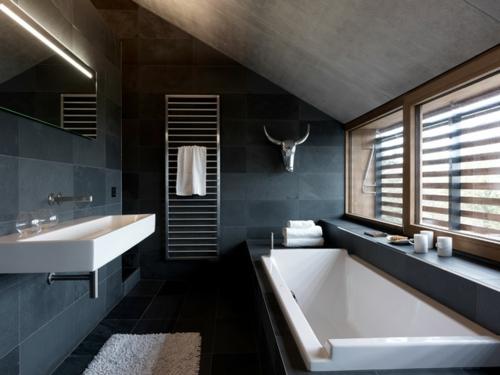gut designtes Badezimmer fliesen dunkelgrau wandgestaltung ambiente