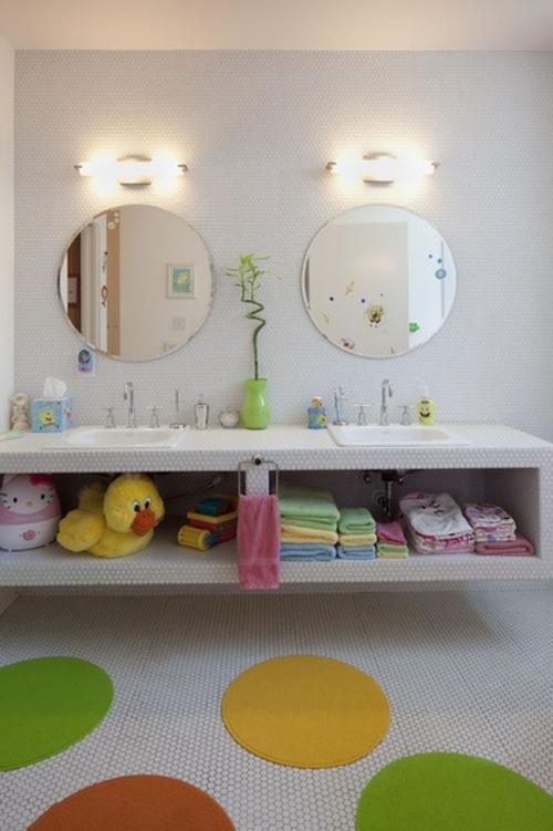 gut designtes Badezimmer rund wandspiegel tücher waschbecken
