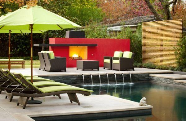 Outdoor Inspiration: Hinreißende Wohnideen für Feuerstellen am Pool