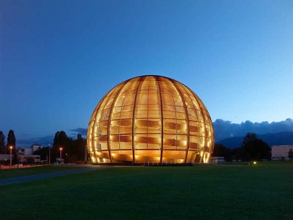 intelligente fenster warm leuchtende kuppel