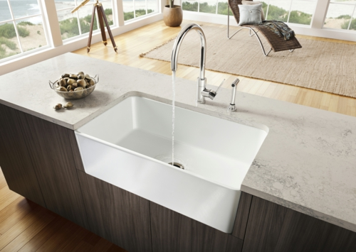 Spüle in der Küche material idee arbeitsplatte weiß eingebaut