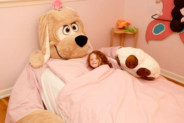 kinderbetten designs gigantisches kuscheltier hund