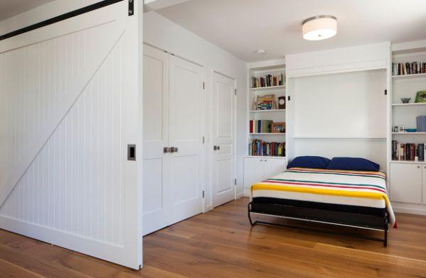 kleine schlafzimmer massive schiebetür in weiß