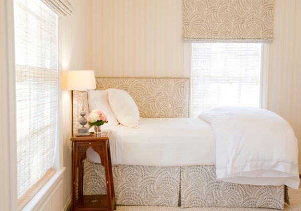 kleine schlafzimmer neutrale töne antik nachtkonsole