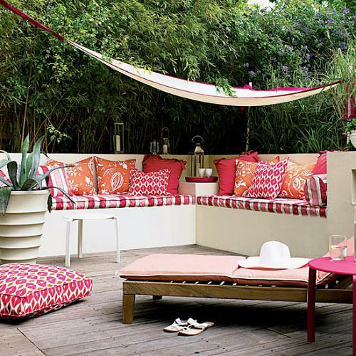 kleine Garten Designs holz bodenbelag sitzkissen liege
