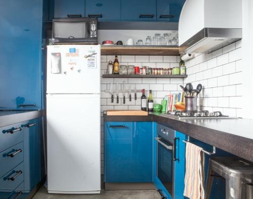 kompakte Küchen Designs modern spüle blau oberflächen wandfliesen