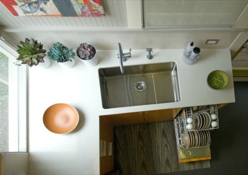 kompakte Küchen Designs modern spüle wasserhahn arbeitsplatte