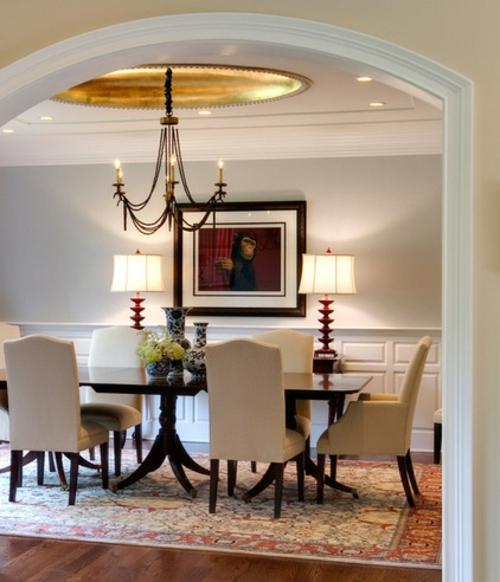 luxus mit blattgold dekoration kerzen kronleuchter perserteppich