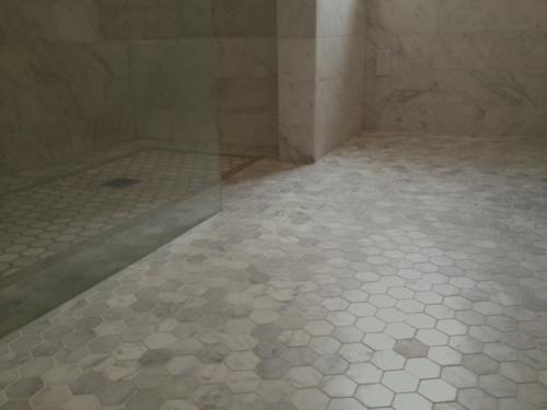 marmor im haus verwenden wabenmuster