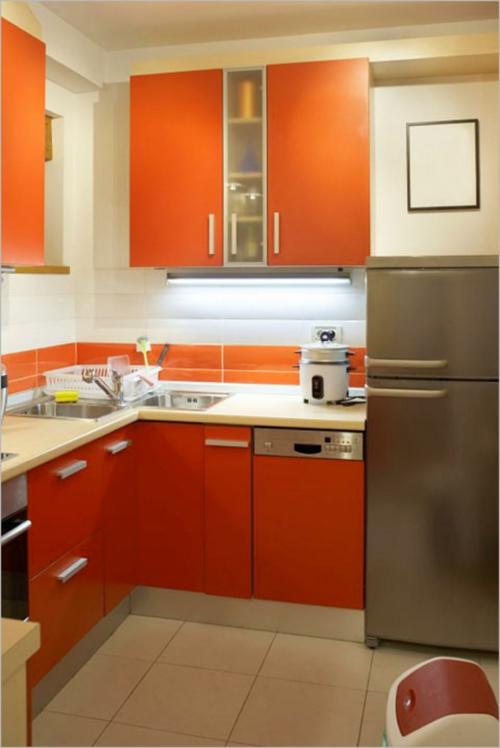 kompakte Küchen Designs orange oberflächen kompakt