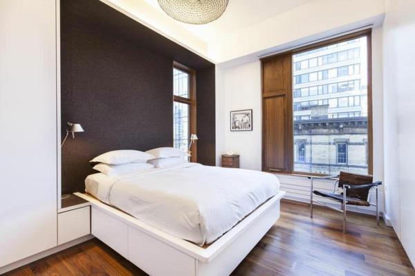 moderne Wohnung in SoHo schlafzimmer weiß matratze bequem