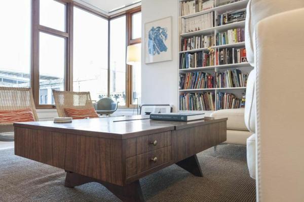 moderne Wohnung in SoHo wohnzimmer massiv schubladen tisch