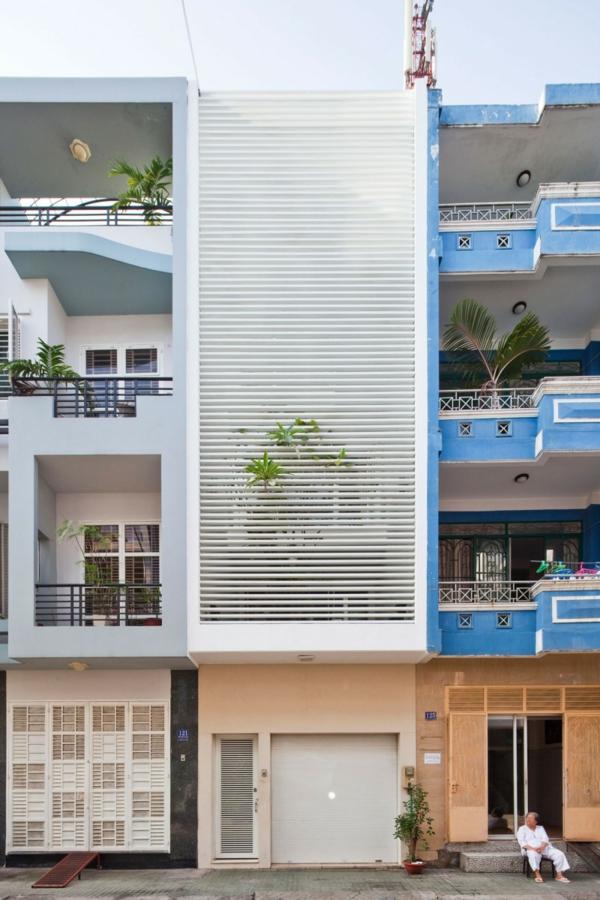 Nachhaltiges Haus Design mit Indoor Gärten in Hochiminh, Vietnam