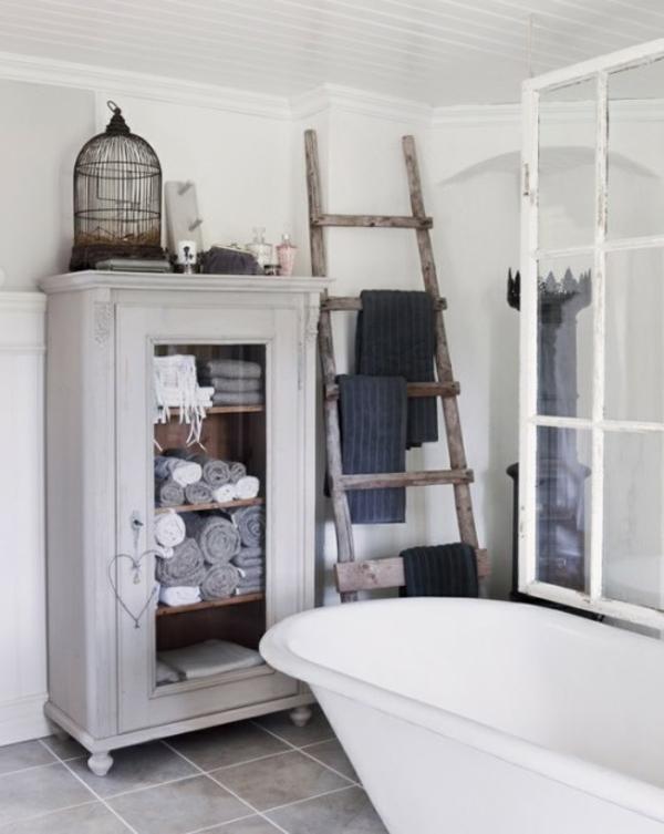 praktische Einrichtungsideen fürs Badezimmer badewanne rustikal stil