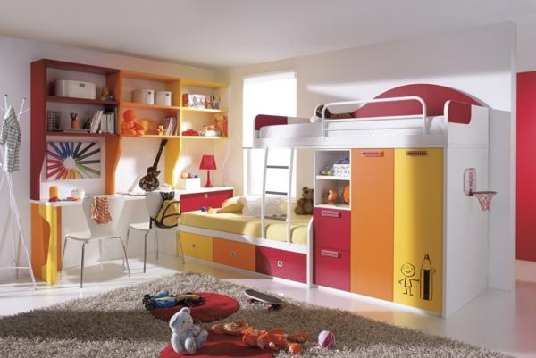 regale und schreibtisch in rot orange und gelb