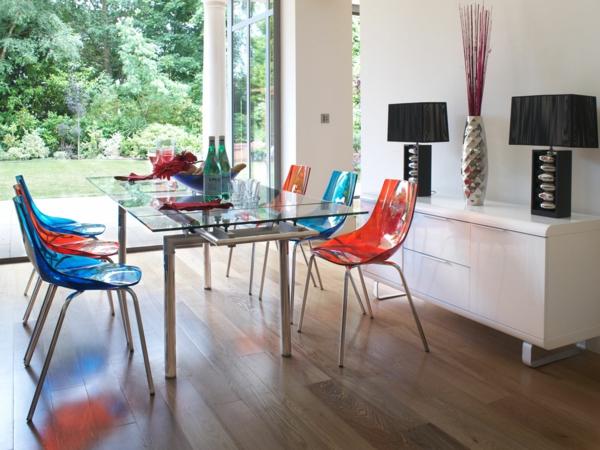 rot blau stühle esszimmer glasplatte tisch modern