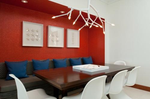 rote Farbe in der Küche nuancen dunkelblaue kissen wandfarbe