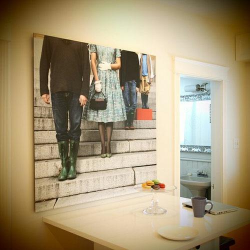 Ausstellung mit Familienfotos verspielt ohne kopf design