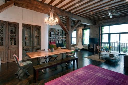 schönes Wohnen im Loft oder Studio tisch esszimmer klassisch einrichtung