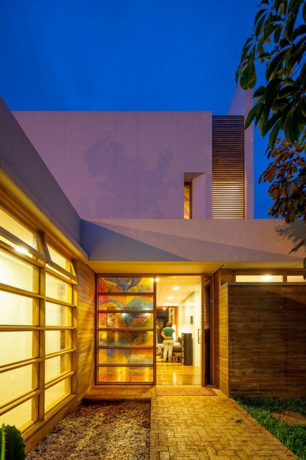 schicke residenz in brasilien von macedo gomes sobreira. Black Bedroom Furniture Sets. Home Design Ideas