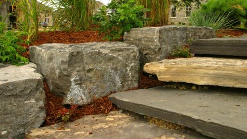 steinplatten im garten robuste treppe