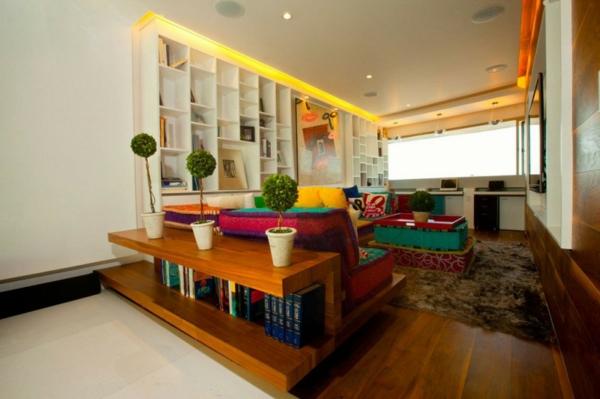 stylische moderne wohnung farbenfroh viele einbauleuchten