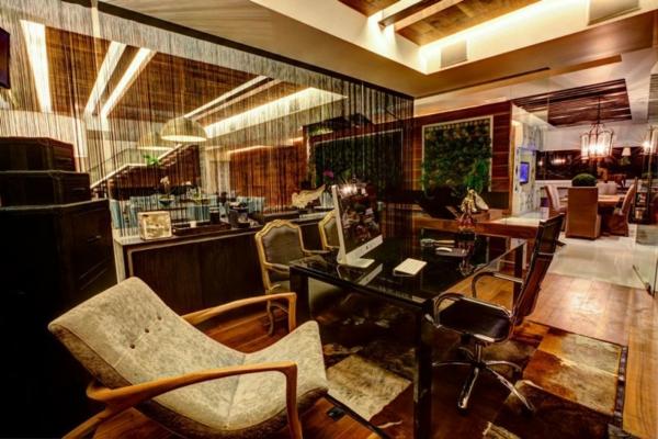 stylische wohnung sichtschutz zwischen arbeitsplatz und wohnbereich