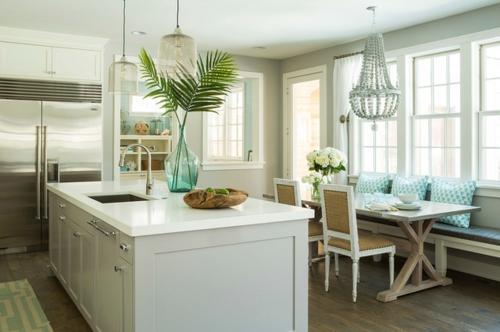 tropisches Ambiente zu Hause küche sommerlich weiß einrichtung
