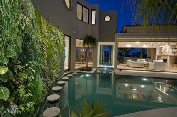 unglaubliche vertikale gärten am pool