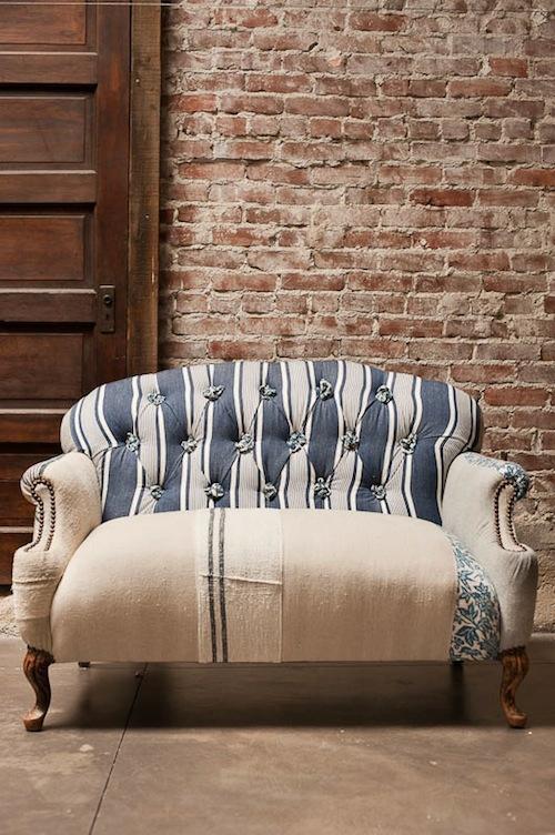 ziegelwand grunge stil sofa bequem klassisch design