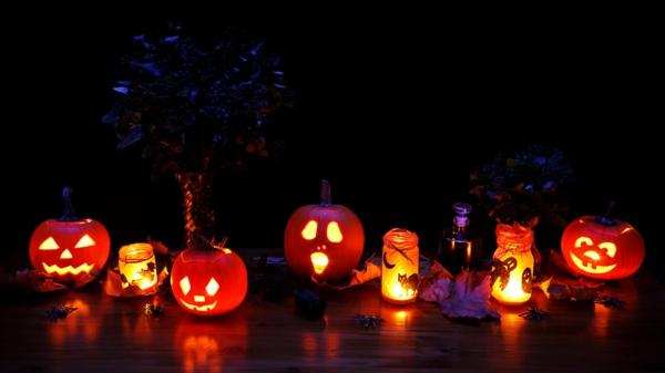 Coole Halloween Deko Ideen kürbisse wohnung fest originell dunkelheit gruselig