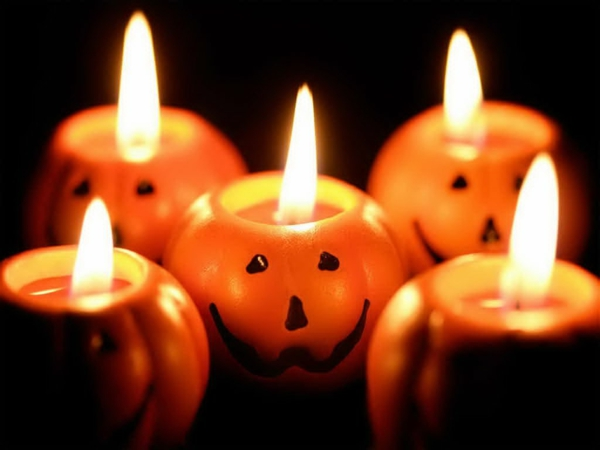 Coole Halloween Deko Ideen kürbisse wohnung fest originell kerzen