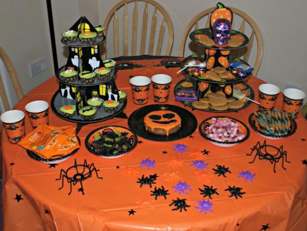 Coole Halloween Deko Ideen kürbisse wohnung fest originell speisen