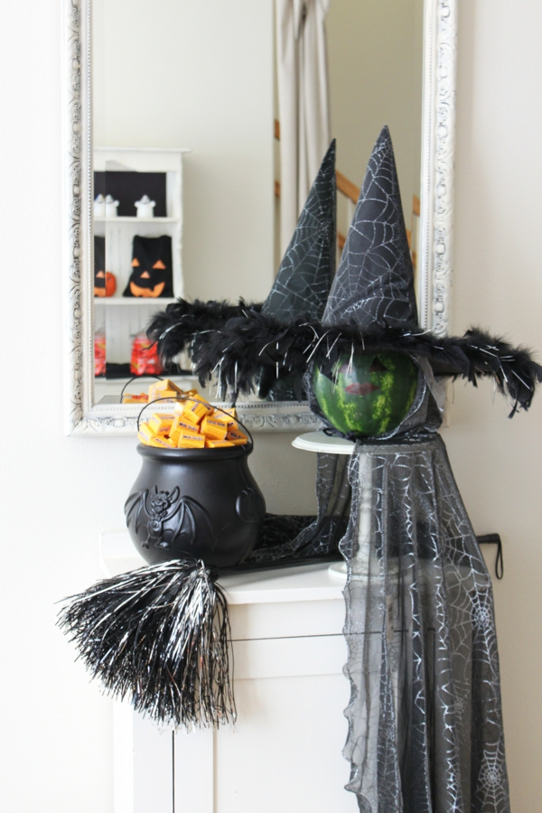 Coole Halloween Deko Ideen schwarz hexe DIY projekt