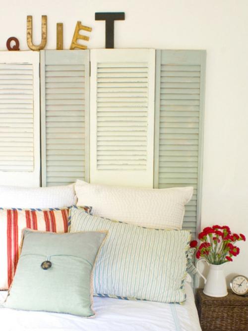 DIY Vintage Kopfteil für Ihr Bett selber machen fensterladen paravent holz