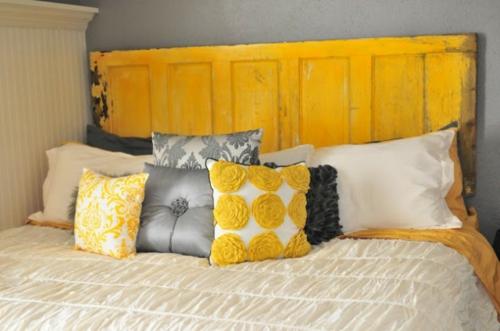 DIY Vintage Kopfteil für Ihr Bett selber machen gelb tür holz