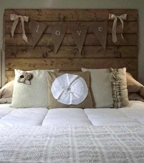 DIY Vintage Kopfteil für Ihr Bett selber machen holzplatten girlande