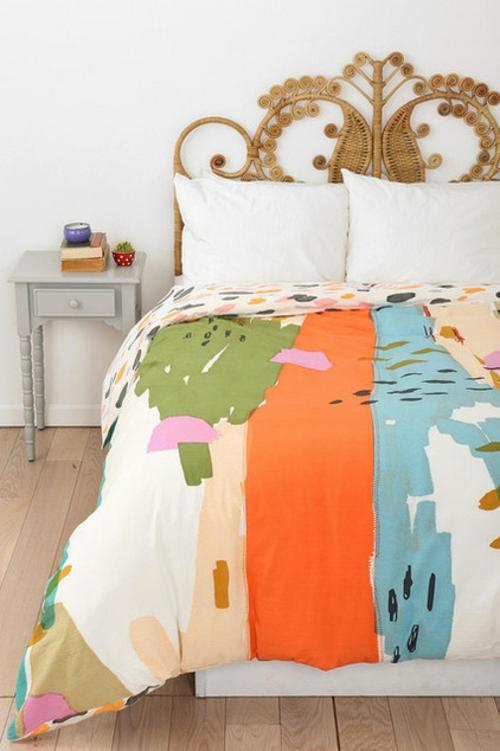 Deko Ideen und Möbel fürs Kinderzimmer bettwäsche kopfteil nebentisch